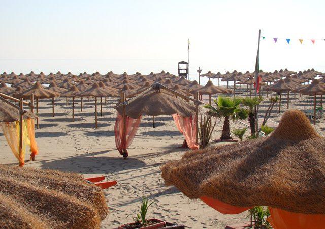 Ombrelloni In Paglia Africana.Ecotex Forniture Per Stabilimenti Lidi Balneari